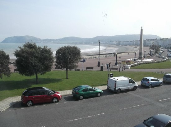 Wildings Hotel : 4) Another view of the bay from our room