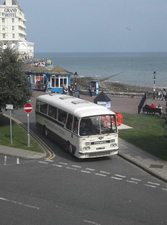 Wildings Hotel: 5) Again, looking towards the pier with view of 1964 coach