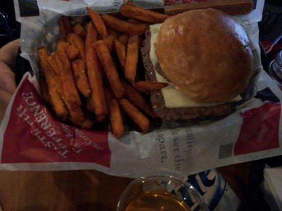 Sobelman's Pub & Grill: Great burgers!