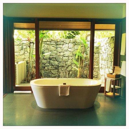 Qualia Resort: Bathroom
