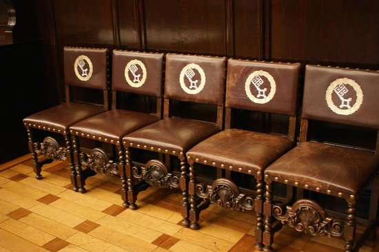 Bremen Town Hall (Rathaus): Chairs, inside the town hall, bearing the cotes of arms of Bremen