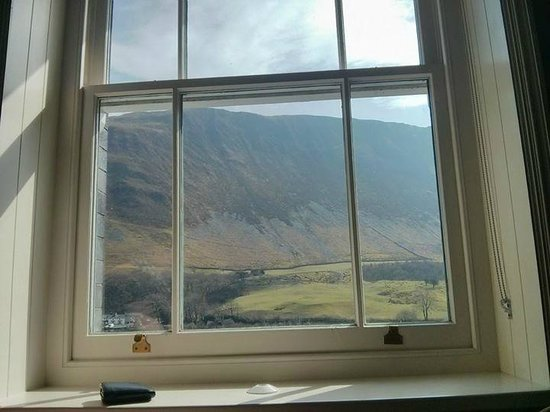The Old Rectory on the Lake: Mynydd Rugog Room view