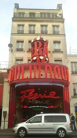 Moulin Rouge: FACHADA 1