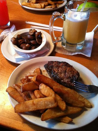 Texas Roadhouse: Steak
