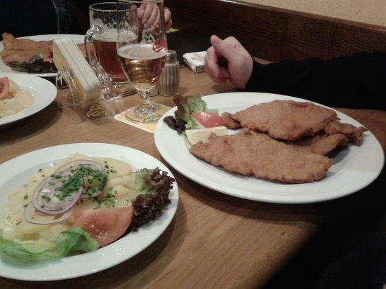 Bierreither: Wiener Schnitzel and Potato Salad