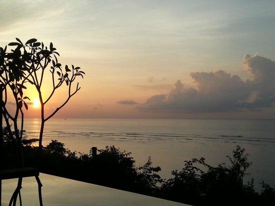 Samabe Bali Suites & Villas : Gorgeous Sunrise