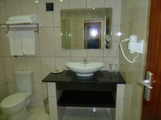 Newcastle Inn: Bathroom