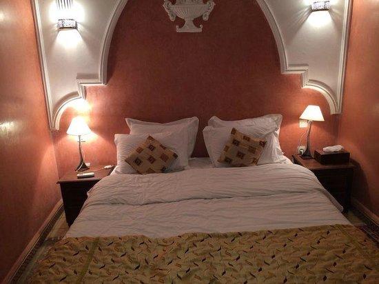 Riad Jonan: Bed