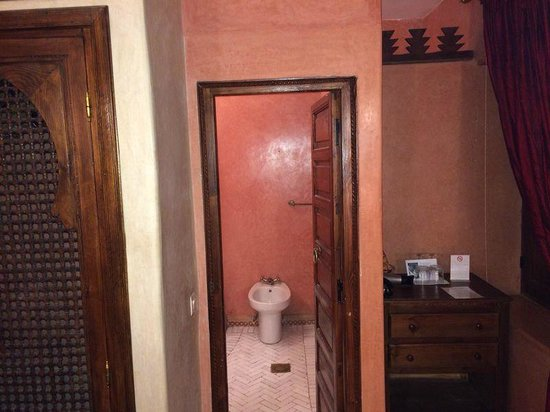 Riad Jonan: Bathroom