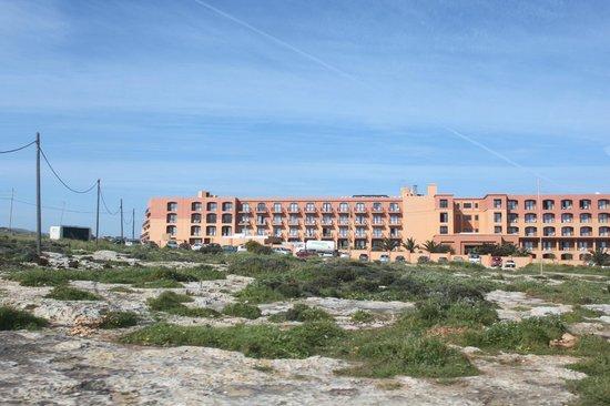 Ramla Bay Resort: View from the roadside