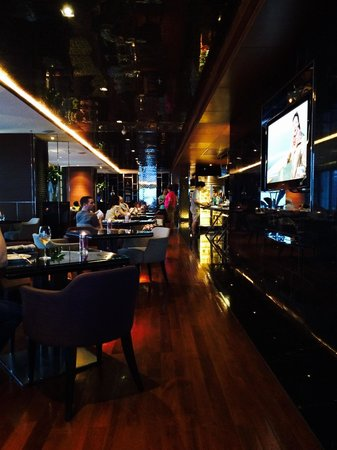 Renaissance Bangkok Ratchaprasong Hotel: Member lounge