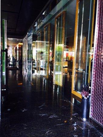 Renaissance Bangkok Ratchaprasong Hotel: Hotel lobby