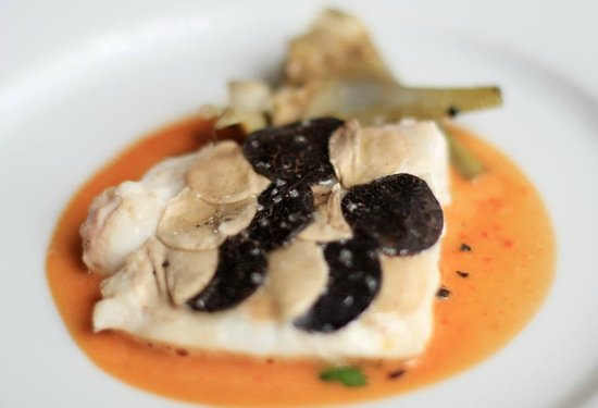 Le Stofflet : ohn Dory fillet with scales of black truffle and mushroom. Poached artichoke & a blue-lobster bu