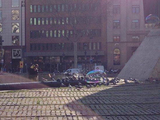 Plaza de Cataluña: площадь