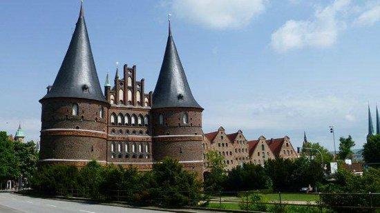 Lübeck Altstadt (Lubeck Oldtown) : Lubeck Altstadt Steiner Tor