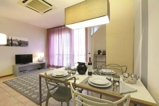 Residence Leopoldo : Premium Studio, Living