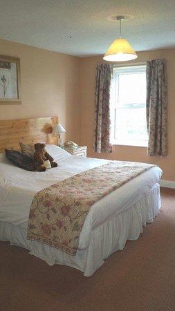 The Pilgrim Hotel: bedroom
