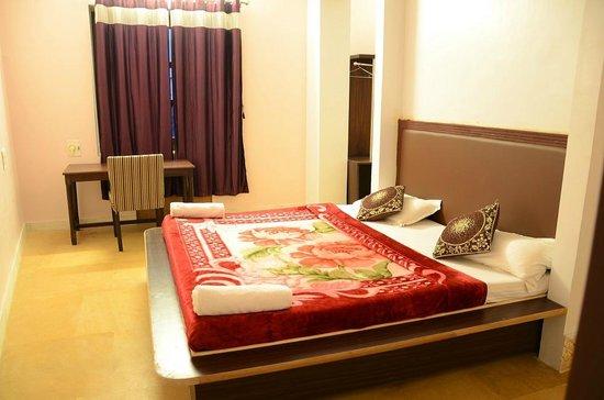 Hotel Sohan Deep: Suite Room