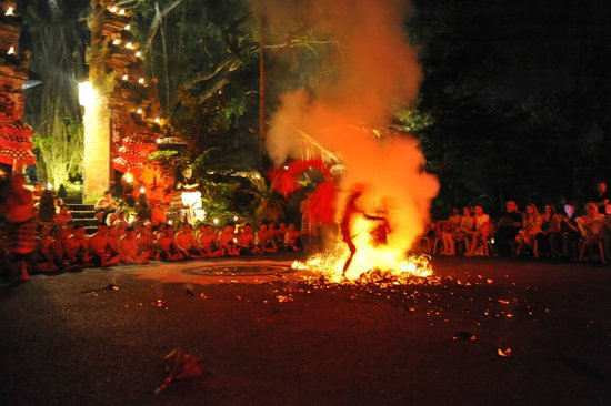 Villa Semana: Kecak performance and fire show