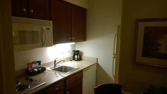 Homewood Suites Harrisburg East-Hershey Area: kitchen