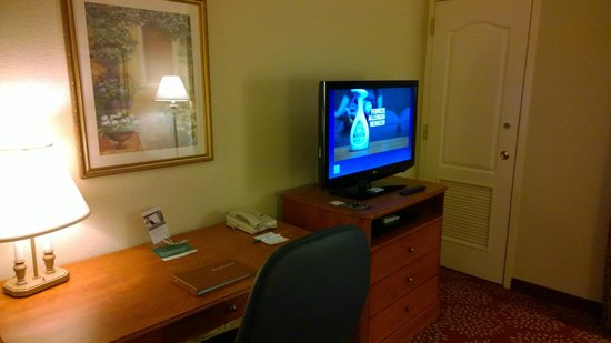Homewood Suites Harrisburg East-Hershey Area: desk area