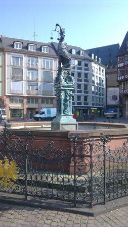 Novum Hotel Continental Frankfurt: фото