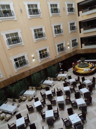 Xingyu Oriental Bund Hotel: 早餐中庭