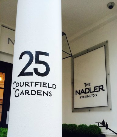 The Nadler Kensington: Hotel entrance