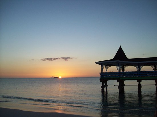 Halcyon Cove by Rex Resorts : Magnifique coucher de soleil