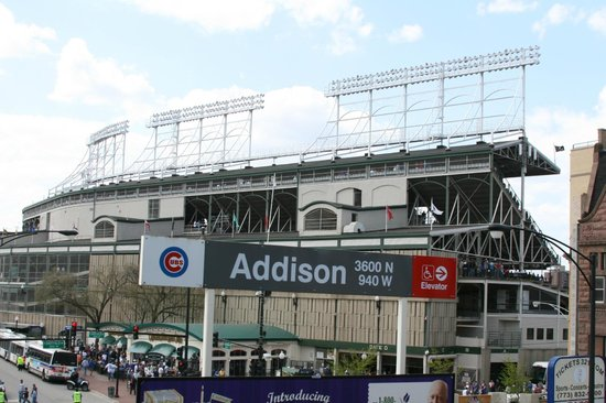 wrigley field picture of wrigley hostel chicago