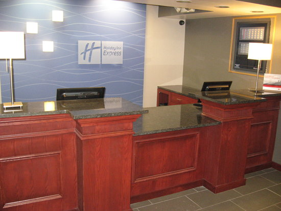 Holiday Inn Express Painted Post - Corning Area : Front Desk