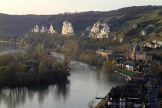 La Canotiere : View of the Seine from the Castle