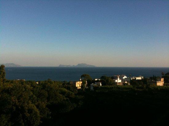 Capri Boats : Капри. Вид с берега Неаполя