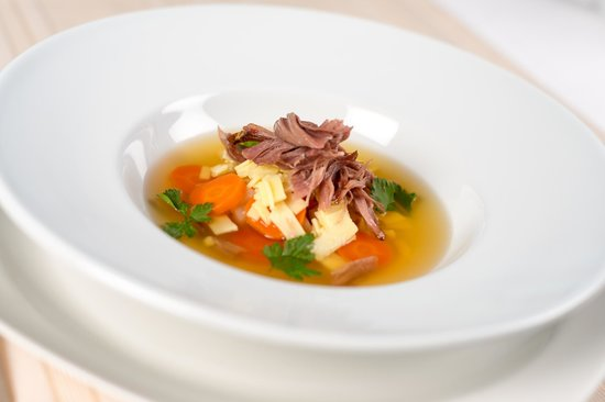 City Plaza Hotel: Duck consomme with vegetables and home made nodles