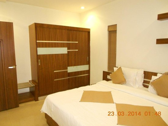 Krishinton Suites: Emerald Suite Bedroom