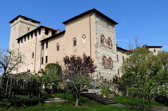 Rocca di Angera: Rocca Borromeo di Angera