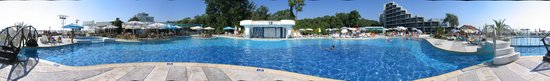 Albena, Bulgaria: Pool panorama