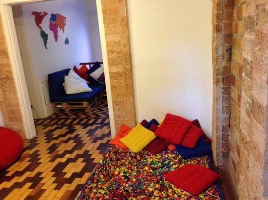 Meiai Hostel : Salão de leitura e relaxamento ...lindo