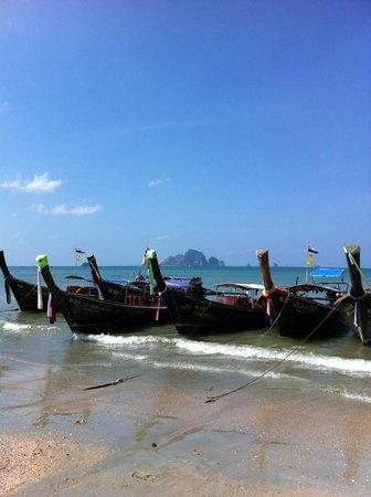 Ruenmayura Hostel : Aonang beach only 5 mins away