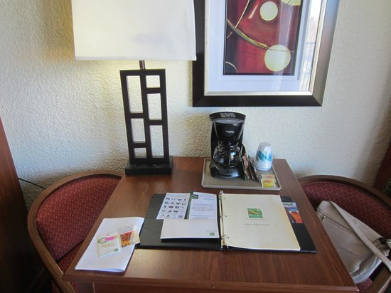 Quality Inn at Lake Powell: Bureau