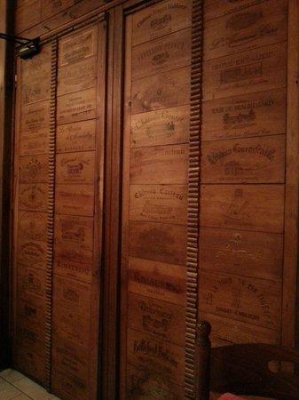 la porta che separa il locale dalle cucine - Picture of Au Petit Sud ...