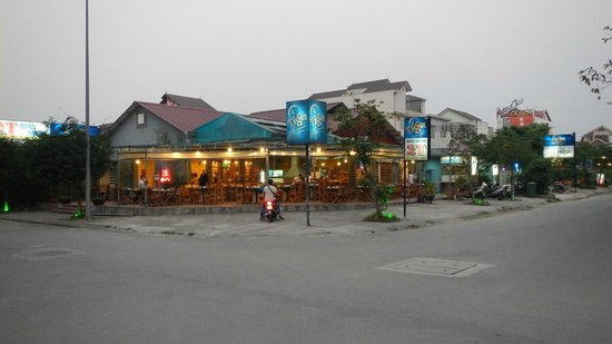 2T Quan Nuong : Front of the restaurant