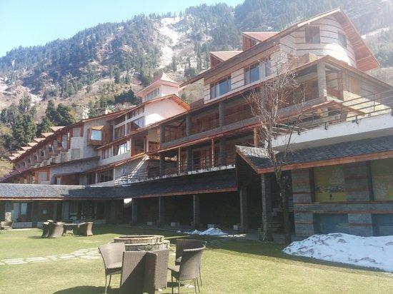 Manuallaya -The Resort Spa in the Himalayas: The hotel..