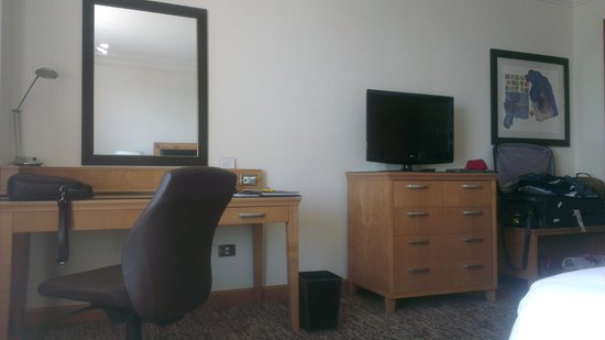 Adana Hilton SA: room