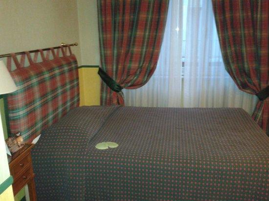 Hotel Victoria : Stanza da letto