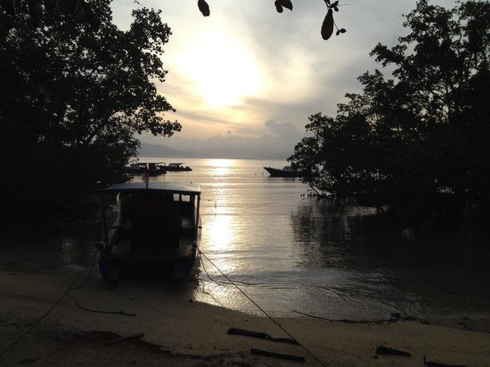 Two Fish Divers Bunaken : Sun set