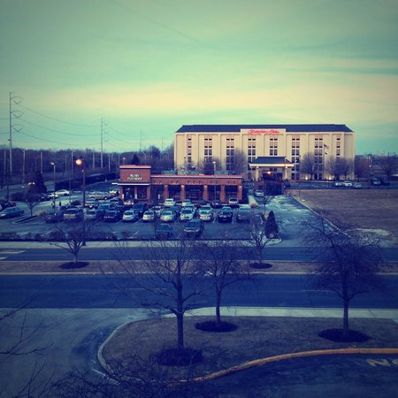 Fairfield Inn Philadelphia Airport : Uitzicht op Ruby's Tuesday