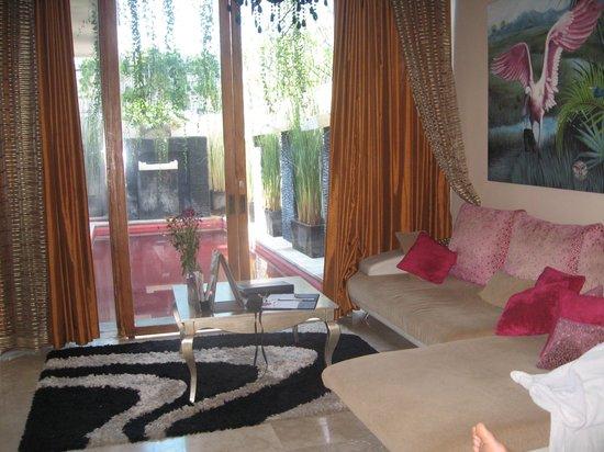 Kamuela Villas Seminyak: Lounge area