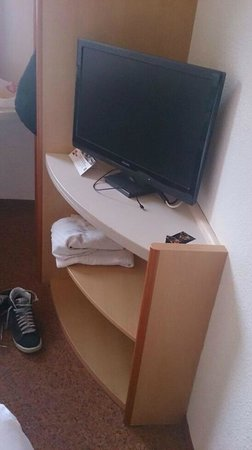 Ibis Paris 17 Clichy-Batignolles : tv satellitare
