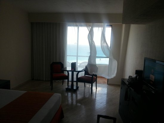 Crown Paradise Club Cancun : Room